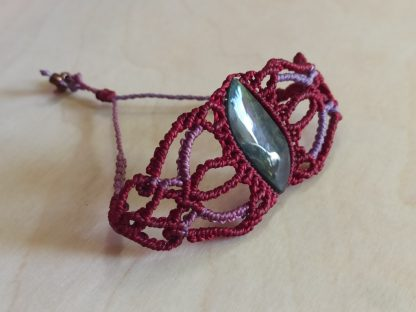Obsidian Original Macrame Bracelet in red garnet and purple color. handmade bracelet. macrame bracelet. Obsidian bracelet. One-of-a-kind. Artisan jewelry. Boho jewelry